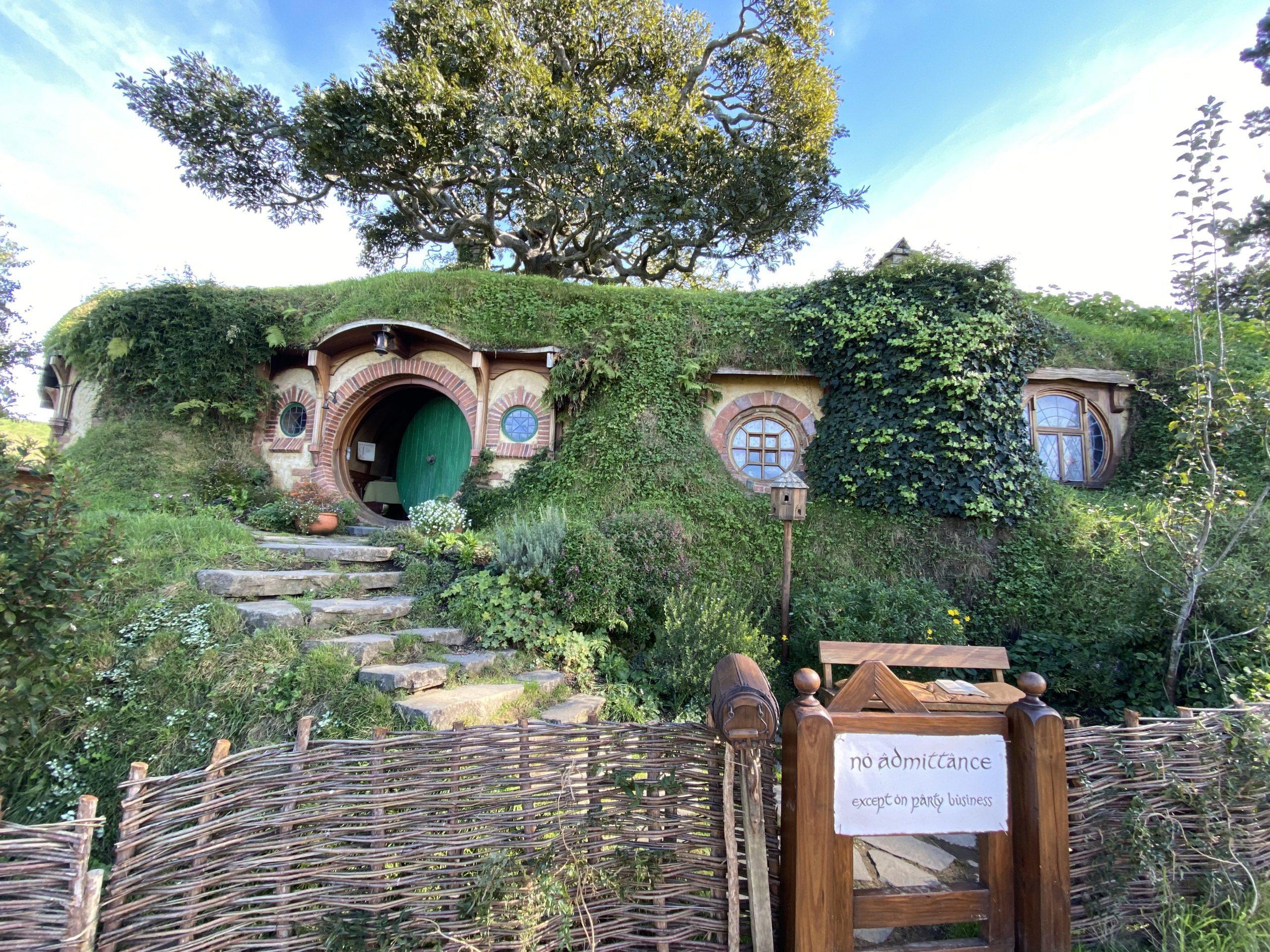 Bilbo Baggin's House at Bag End, Hobbiton Movie Set
